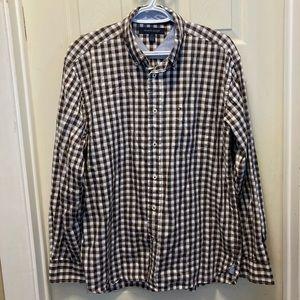 3/20$ Tommy Hilfiger brown plaid button down shirt